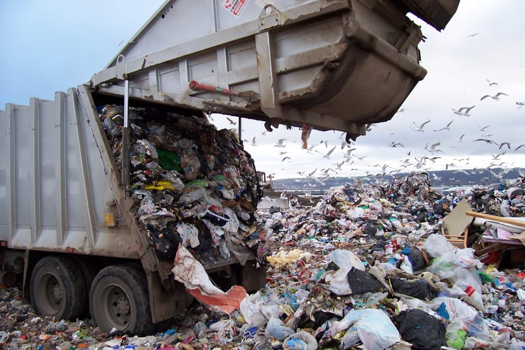 [تصویر:  landfill-1024x683.jpg]