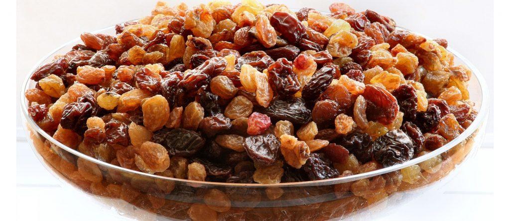 [تصویر:  NF-Oct13-Are-Raisins-Good-Snacks-for-Kids-1024x445.jpeg]